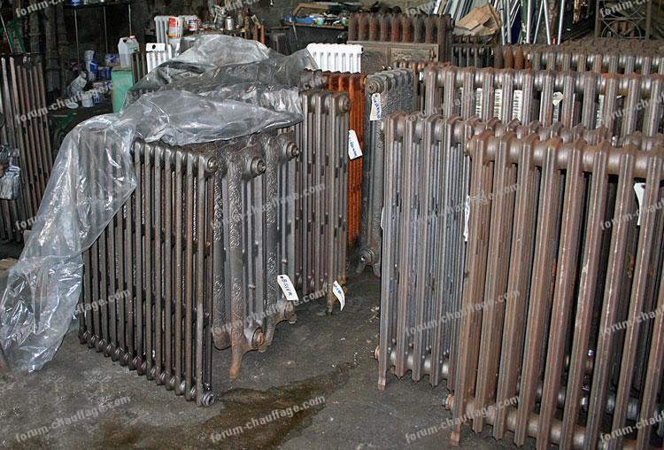 forum chauffage recherche caches en plastique pour radiateurs eau chaude. Black Bedroom Furniture Sets. Home Design Ideas
