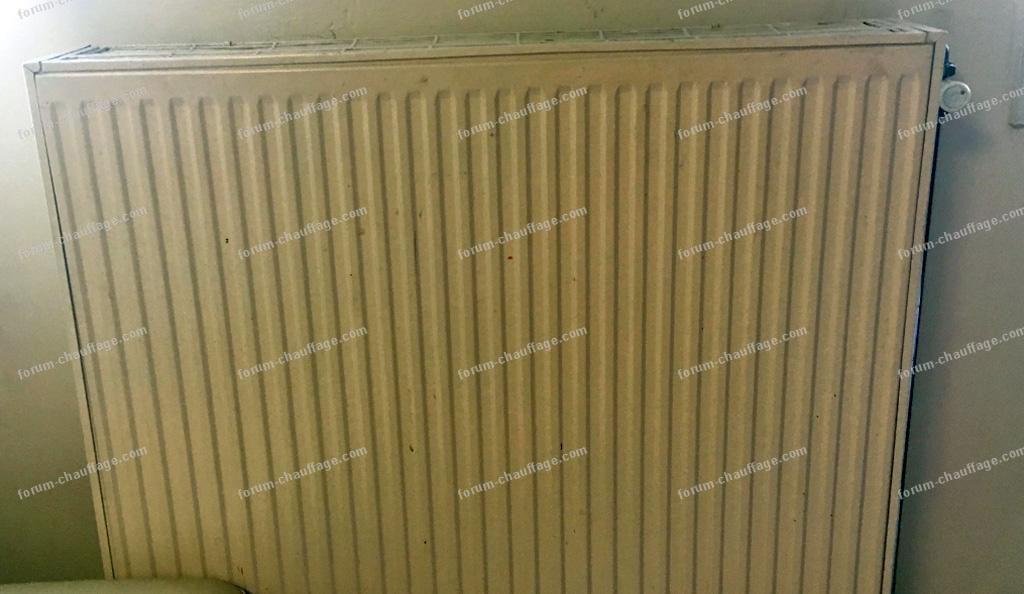 question forum chauffage conseils pour remplacer un radiateur en acier. Black Bedroom Furniture Sets. Home Design Ideas