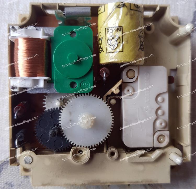 réparer horloge M129 Buderus