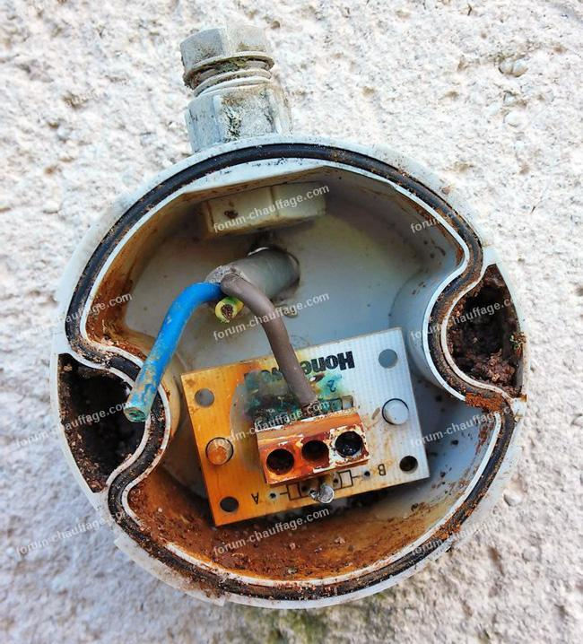 sonde extérieur détruite