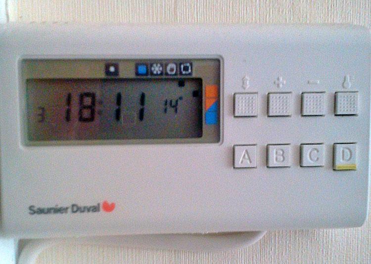 probl me r glage thermostat programmable chaudi re saunier duval pas de notice. Black Bedroom Furniture Sets. Home Design Ideas